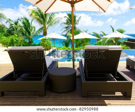 Luxury Palms Hotel
