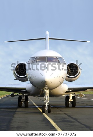 Luxury Private Jet Plane -  Front view - Bombardier Global Express