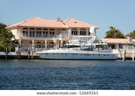 Luxury waterfront home for sale in Florida