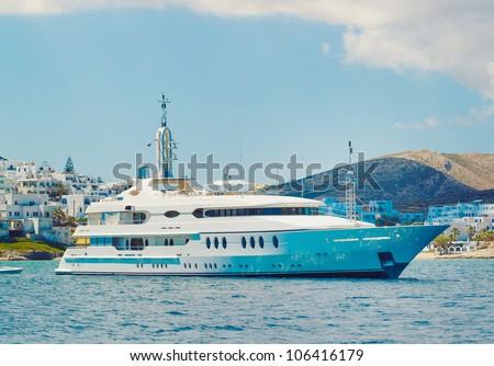 Luxury Yacht, Cruising in Ocean