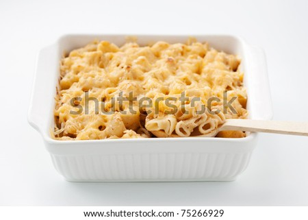 Macaroni and cheese in the casserole