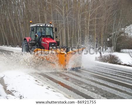 machine snow plow