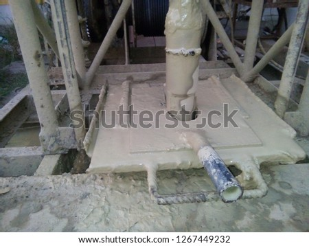 Machines for drilling groundwater
