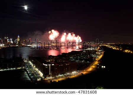 Macy\'s fireworks on 4th of July 2009. View from New Jersey to Manhattan.