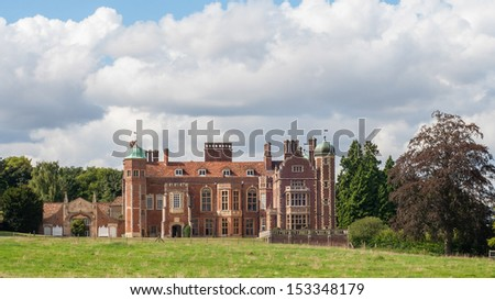 Madingley Hall, built in 1543 by Sir John Hynde, currently part of Cambridge University