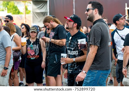 Picnetz Madrid Jun 22 People In A Concert At Download Heavy