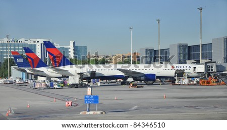 MADRID, SPAIN - SEPT 7: Delta Airlines, worlds largest scheduled passenger carrier since Oct 2008 flies 4,000 flights daily, is loading B767-400ER plane at Madrid Barajas Airport, Sept 7,2010.