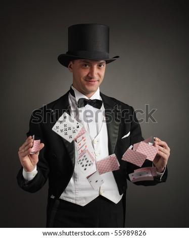 magician juggle cards