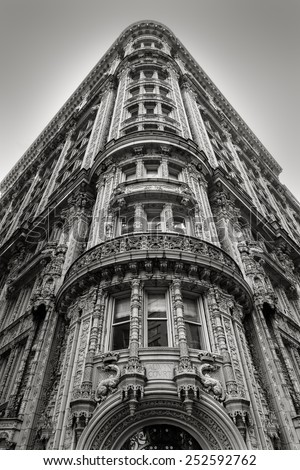 Magnificent architectural ornaments on a building\'s facade in the heart of Midtown Manhattan. Black and White architecture, New York City.