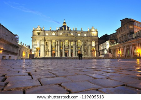 Main facade of the Basilica of Saint Peter's work Maderno & erected in front of the same name in the Vatican City. It is the largest church in Christendom, where the Pope imparts blessings. Night view