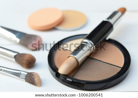 make-up brushes and Cosmetics, Set of makeup brush and contour palette, Women accessories
