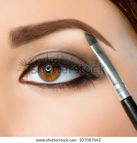 Make-up. Eyebrow Makeup.Brown Eyes