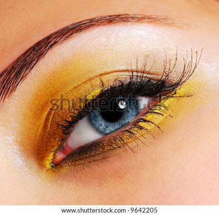 Красив грим Stock-photo-make-up-fashion-bright-yellow-eyeshadow-9642205