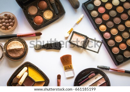 makeup brush/ A makeup brush is a tool with bristles, used for the application of make up or face  #661185199