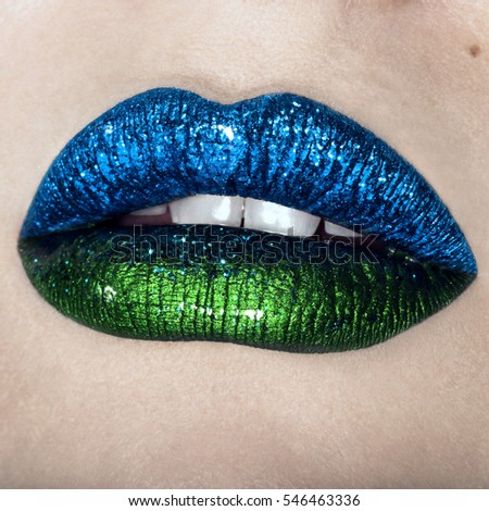 Makeup inspiration glossy lips glitter look #546463336