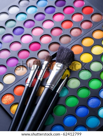 Makeup.Professional multicolour eyeshadows palette