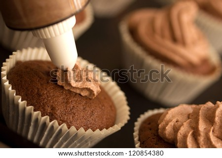 making chocolate cupcakes