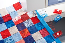 Making of quilt binding by dint of sewing quilting clips by using sewing machine