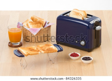 Making sandwich by bread toaster a useful kitchenware