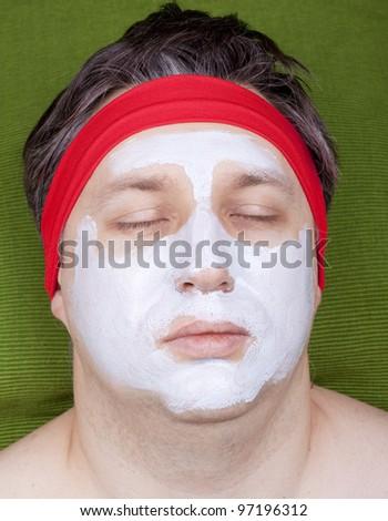 Male facial cosmetics mask