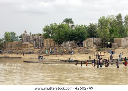 MALI - AUGUST 16: Bozo ethnic village, the village life revolves around the Niger River, its source of funds, August 16, 2009 in Mopti, Mali