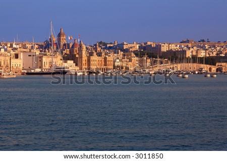 Malta, valetta, sunset at harbour