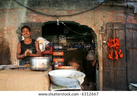 Man cooking on the street in Jaipur, India