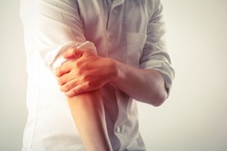 man elbow pain