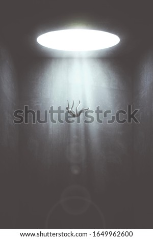 man falling in the void from big hole surreal concept Stockfoto ©