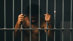 man in jail - People who are blocked are not free,Both thought and body