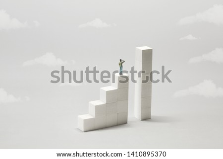 man thinking how to fill the gap to reach the next level Stockfoto ©