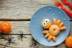 Mandarin spider, fun food art idea for kids, healthy snack for Halloween