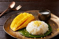 mango with sticky rice , Thai dessert