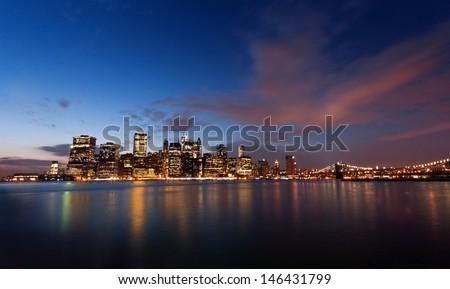Manhattan view from Brooklyn Bridge Park, New York City, USA.  Vista de Manhattan y sus rascacielos desde el Parque del Puente de Brooklyn, NYC Stock fotó ©