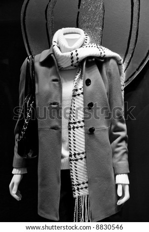 Mannequin in black and white