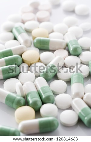 Many capsules and tablets for medicinal product