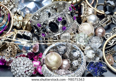 Many fashionable women's jewelry. Brilliant bangles