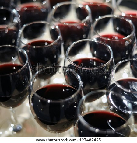 Many glasses of red wine