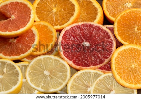 Many kind orange cara cara , lemon, star ruby grape , navel put and slice on wooden tray nature background for gift and good healthy. Foto stock ©