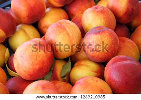 many peaches in a market