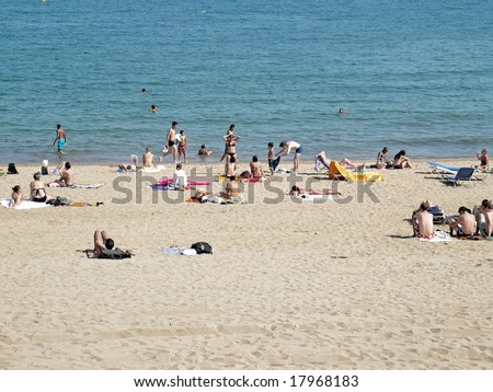 many people in a beach