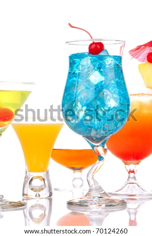 Many popular cocktail drinks with alcohol. Five different type of cocktails Blue hawaiian, Mai tai, Martini, whiskey; margarita isolated on a white background