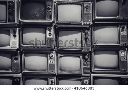 Many retro television can not turn on but can decorate in small relax art shop