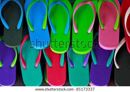 many sandal have many color