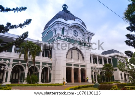 Maputo Central Train Station, Railway Station also known as Mozambique. Top things to do in Maputo.Voted among top 10 most beautiful train stations in the world. Statue near Maputo train station