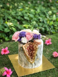 Marble Geode Cake
