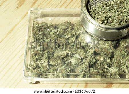 how to break up weed with a grinder