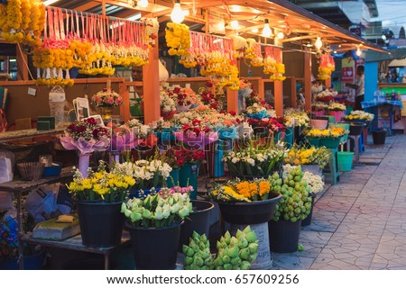 market flowers in thailand