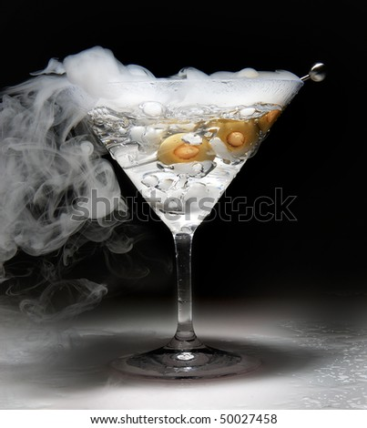 martini dry drink with the effect of dry ice