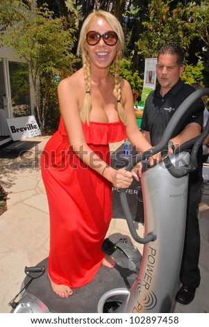 Mary Carey at the Vital Juice Pop-Up Wellness Retreat, Sunset Marquis, West Hollywood, CA. 04-09-10